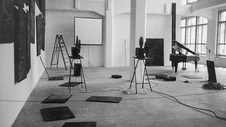 Pic Joseph Beuys im Gespräch mit Mario Kramer